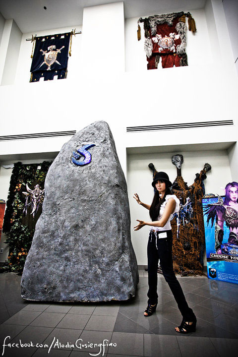 Filipina cosplay queen Alodia Gosiengfiao visits Blizzard Entertainment, creators of the Warcraft video game franchise.